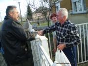 ajándékcsomagok átadása nyugdíjasainknak